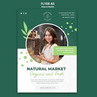 Modèle de flyer de concept de marché naturel
