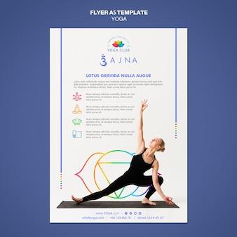 Modèle de flyer de concept de yoga