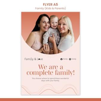 Modèle de flyer de conception familiale