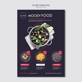 Modèle de flyer créatif de nourriture moody