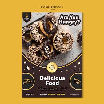 Modèle de flyer de délicieux beignets