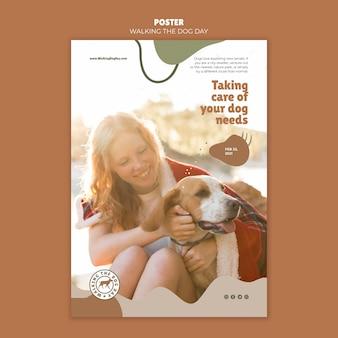Modèle de flyer de jour de marche du chien