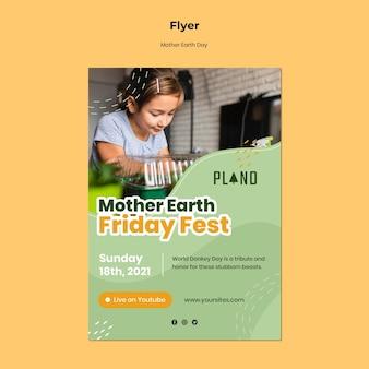 Modèle de flyer de jour de la terre mère avec photo