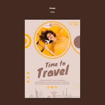 Modèle de flyer pour voyager dans le temps de l'aventure