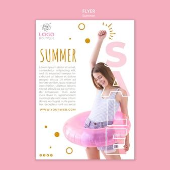 Modèle de flyer de vente d'été