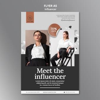 Modèle de flyer vertical pour une influenceuse de médias sociaux