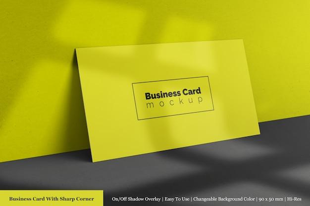 Modèle de maquette de carte de visite horizontale d'entreprise moderne et propre réaliste