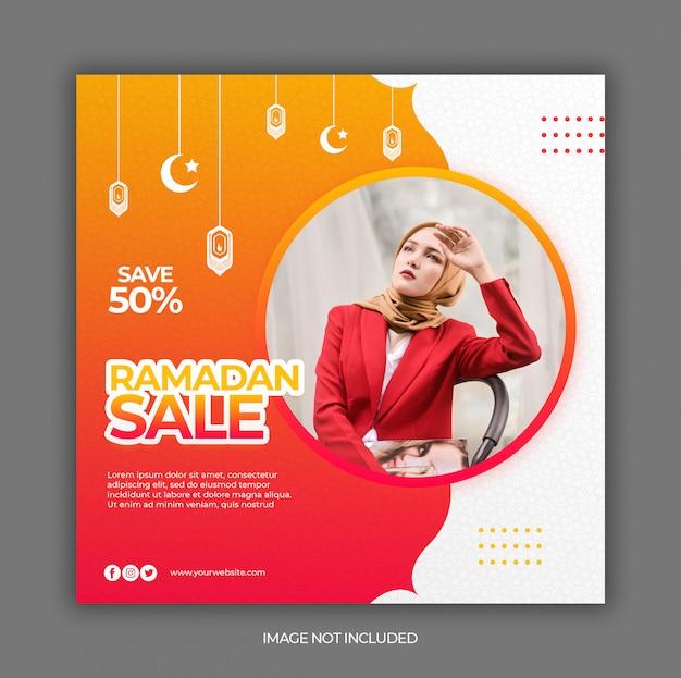 Modèle de publication sur les médias sociaux avec le concept de promotion de la vente du ramadan
