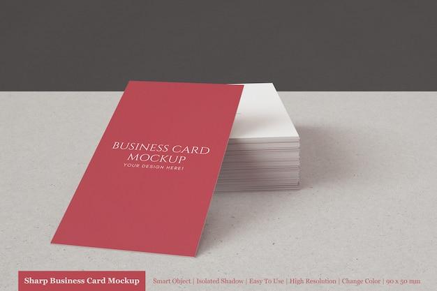 Modèles de maquettes de cartes de visite verticales modernes premium 90x50mm