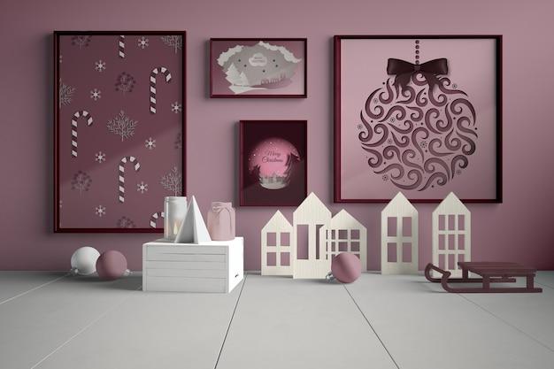 Mur avec collection de tableaux pour noel