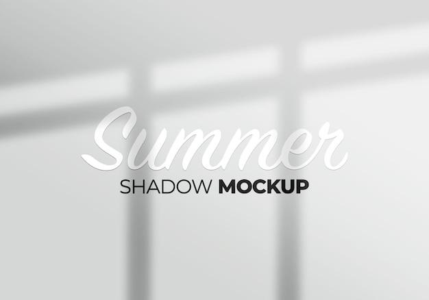 Les ombres des fenêtres superposent l'arrière-plan de la maquette