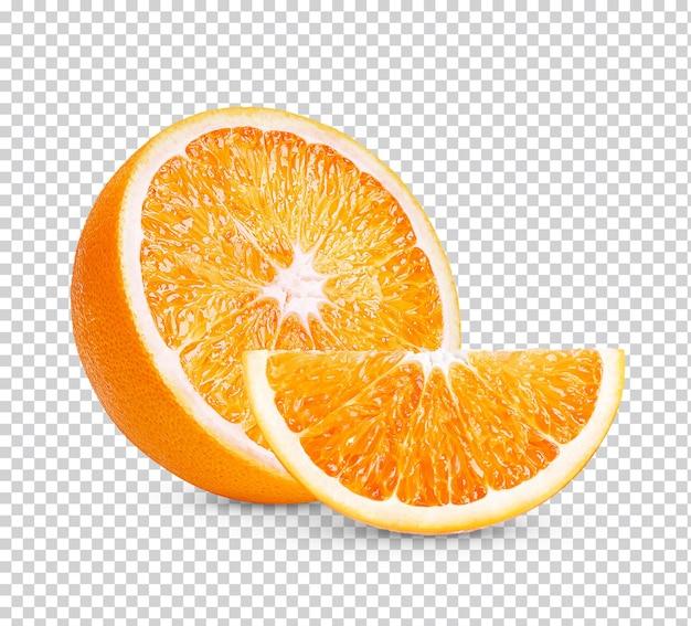 Orange en tranches isolé