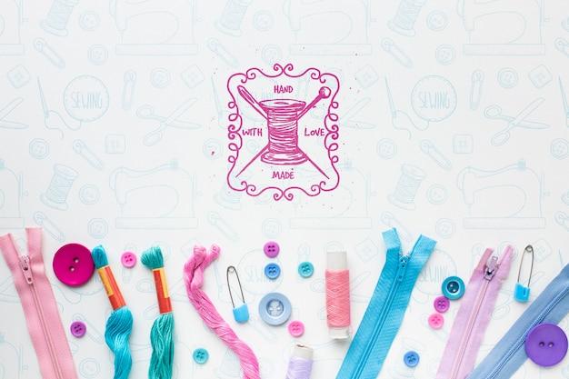 Outils de couture avec maquette