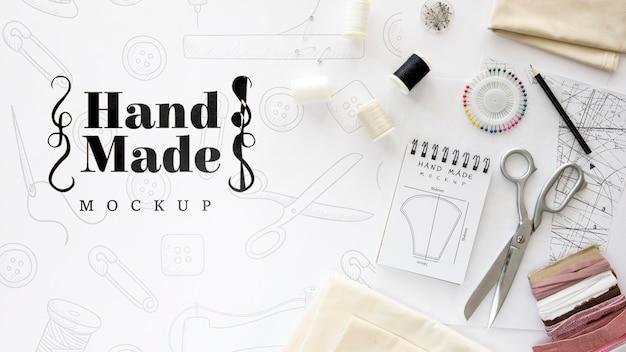 Outils et fil pour produits artisanaux