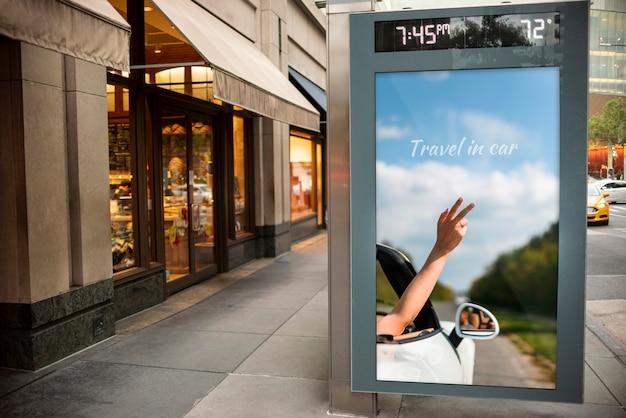 Panneau d'affichage de voyage avec maquette