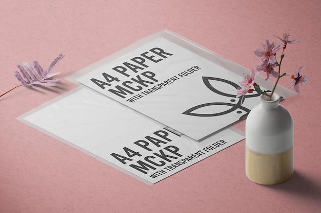 Papier a4 avec maquette de dossier transparent