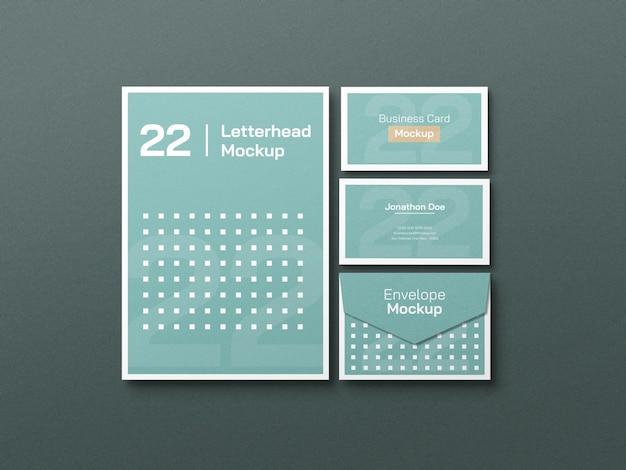 Papier à en-tête avec carte de visite et maquette de papeterie d'enveloppe