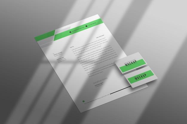Papier à en-tête minimal avec maquette de carte de visite