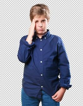 Petit garçon triste