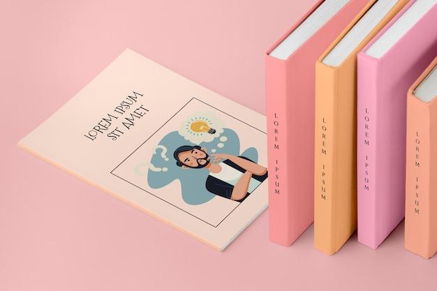 Pile à angle élevé de maquette de différents livres