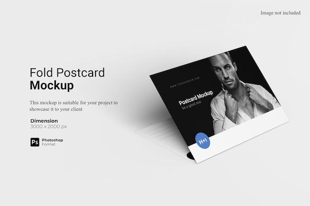 Plier la conception de maquette de carte postale isolée