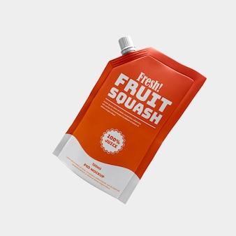 Pochette de bec boisson sportive saine et maquette d'emballage en aluminium mat de jus de gorgée