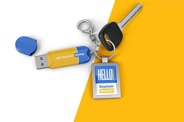 Porte-clés avec clé usb et clé sur la maquette de l'anneau