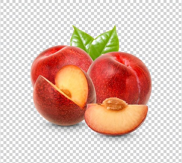 Prune rouge fraîche isolée
