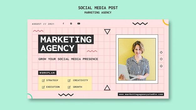 Publication sur les réseaux sociaux d'une agence de marketing sur les réseaux sociaux