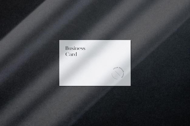 Scène de maquette de carte de visite avec superposition d'ombre