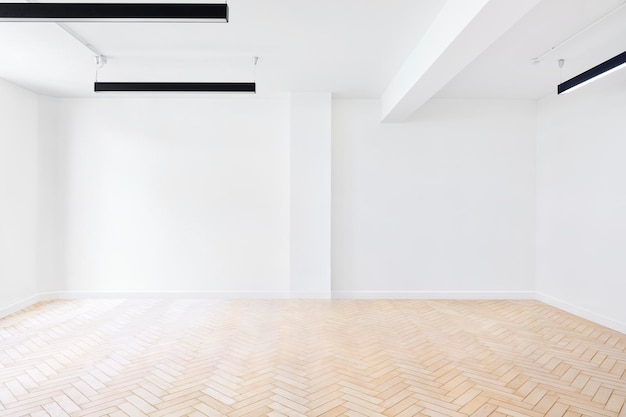 Scène de pièce vide avec des murs blancs et du parquet