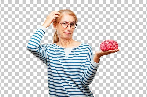 Senior belle femme avec un modèle de cerveau