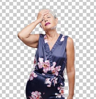 Senior femme cool