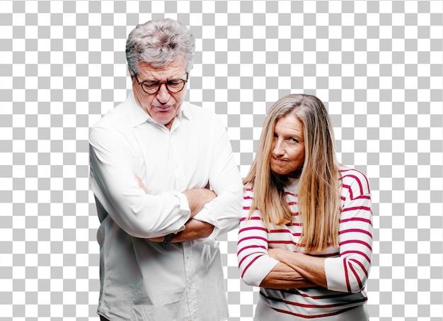 Senior mari et femme cool en colère, malheureuse et frustrée
