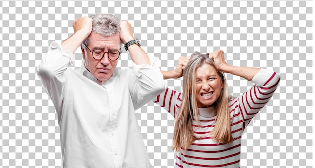 Senior mari et femme cool, stressés et frustrés, exprimant leur désarroi et leur incrédulité.