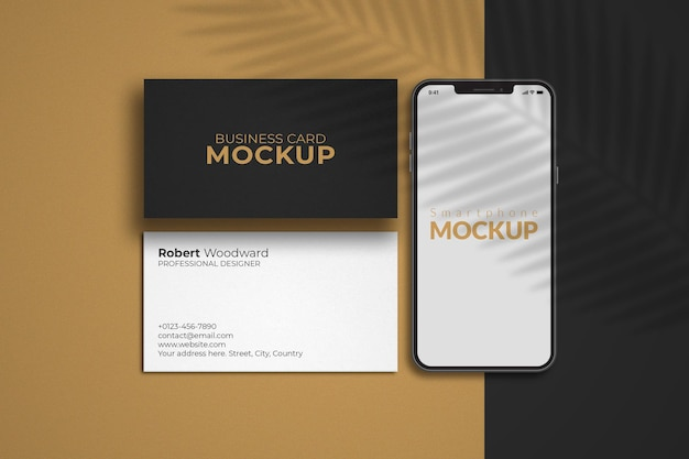 Smartphone avec maquette de cartes de visite