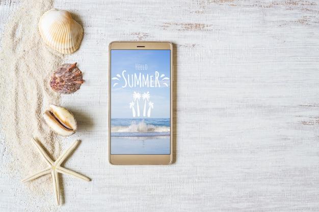 Smartphone maquette de modèle pour les vacances d'été