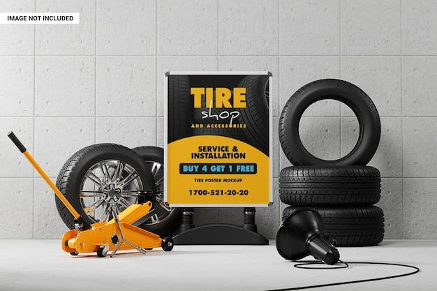Stand publicitaire avec maquette de pneus et de roues