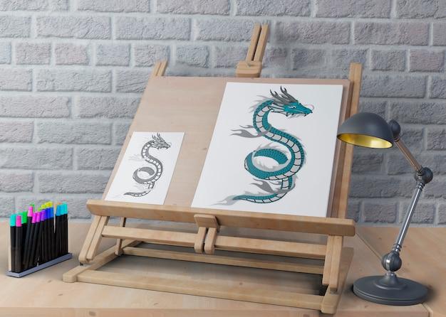 Support pour la peinture avec des dessins sur