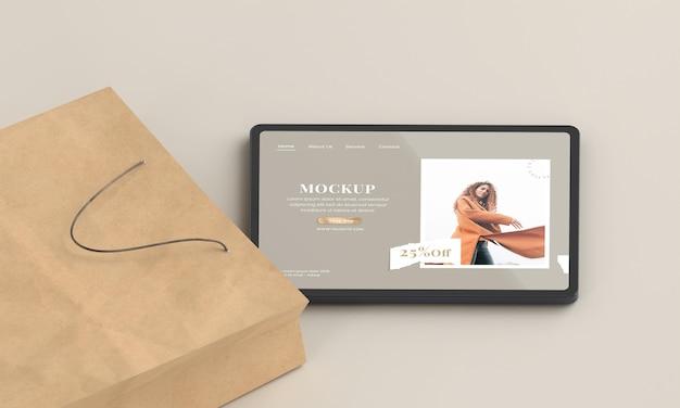 Tablette à angle élevé et sac en papier