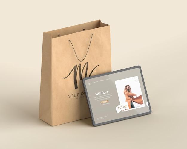 Tablette shopping et sac en papier