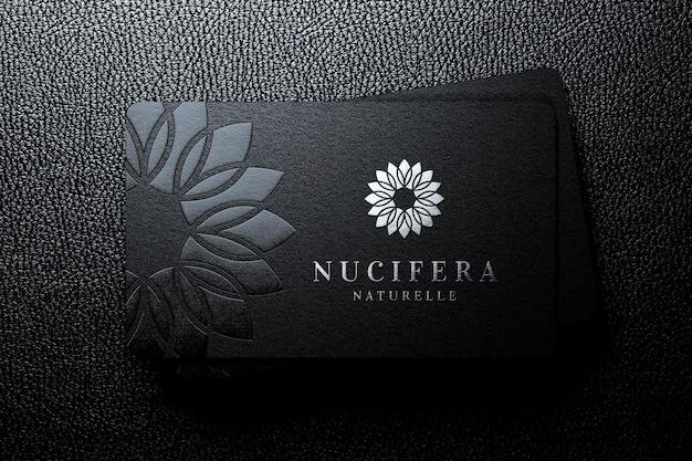 Tas de luxe de maquette de logo de carte de visite avec effet en relief