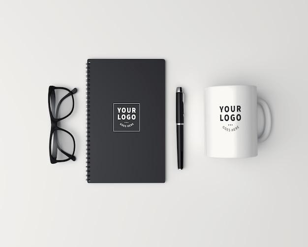 Tasse à café vue de dessus avec maquette de bloc-notes
