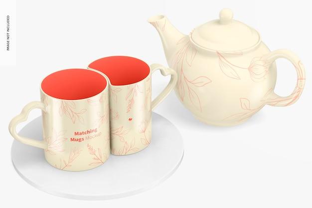 Tasses assorties avec maquette de théière