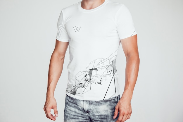 Tee shirt homme mock-up