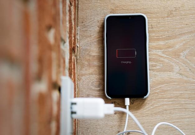 Téléphone portable en batterie