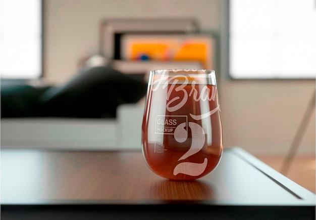 Verre avec conception de maquette de boisson