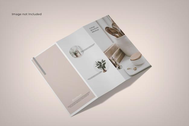Vue d'angle élevé de maquette de brochure à trois volets