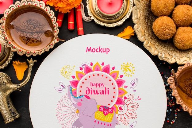 Vue de dessus arrangement de maquette de festival de diwali heureux