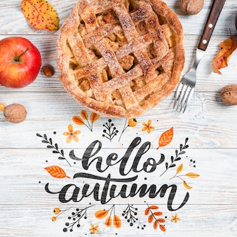 Vue de dessus automne petit déjeuner avec tarte